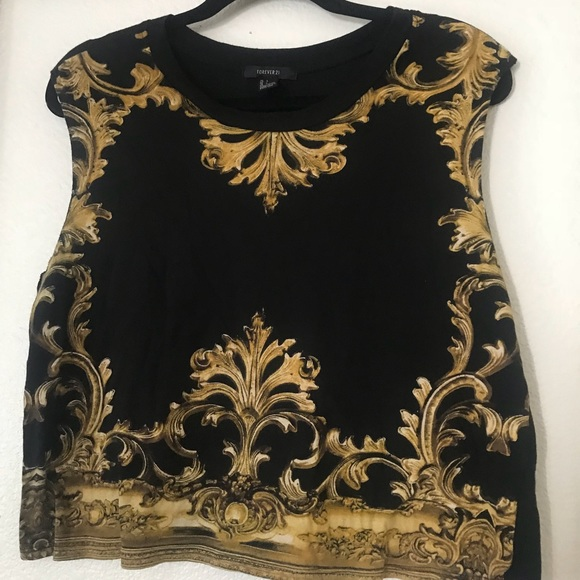 3bb92330dd799d Forever 21 Tops - Forever 21 crop shirt worn once L Versace style